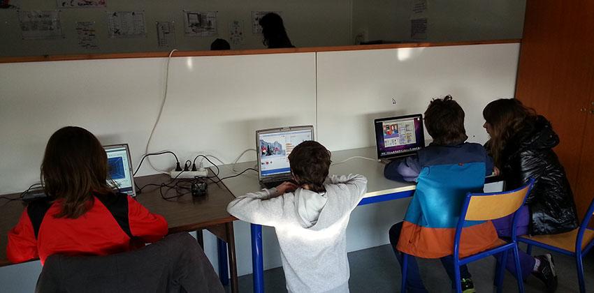 Les élèves apprennent à utiliser le logiciel Scratch